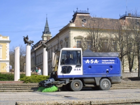 Street cleaning and services