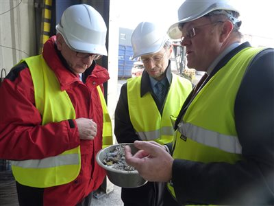 .A.S.A. shows to Dr. John Pugh MP, the British Parliamentarian, the Central European sustainable waste management and recycling model