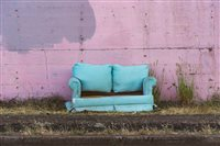 lom_pink couch